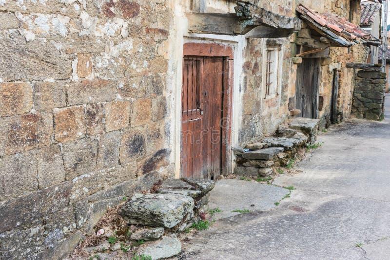 Typische bouw in dorp het Zuid- van Europa royalty-vrije stock afbeelding