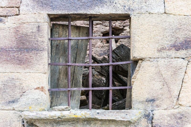 Typische bouw in dorp het Zuid- van Europa stock fotografie