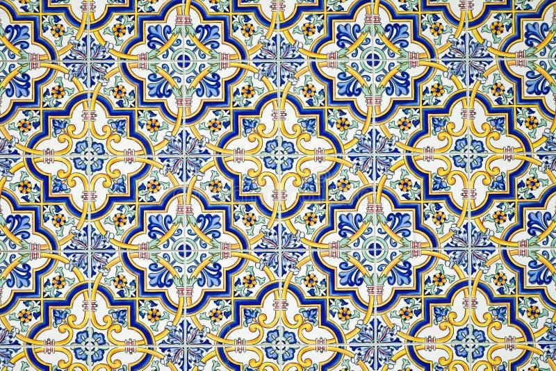 Typische ce andalusisch betegelde muur stock afbeelding afbeelding bestaande uit antiquiteit - Azulejos patio andaluz ...