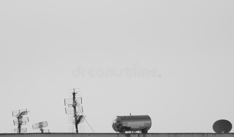 Typische Dachspitze, Tirana, Albanien lizenzfreies stockfoto