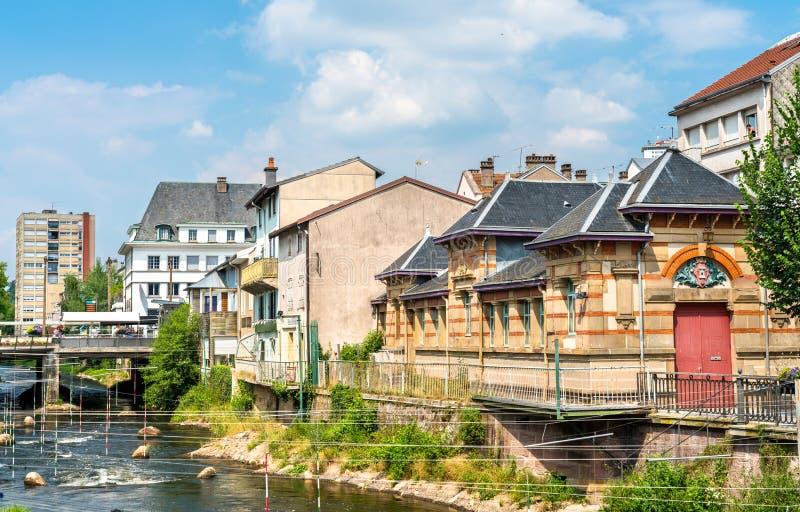 Typische Franse gebouwen in Epinal, Frankrijk stock foto