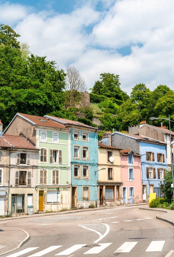 Typische Franse gebouwen in Epinal, Frankrijk stock afbeelding