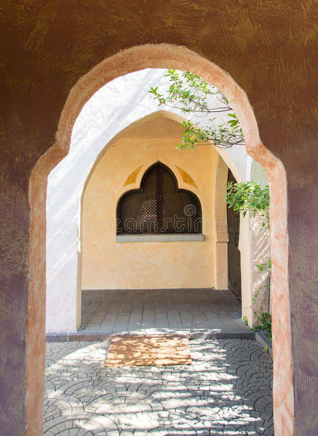 Typische Geometrie der arabischen Architektur lizenzfreie stockfotografie
