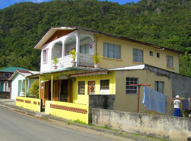 Typische huisarchitectuur Soufriere St. Lucia stock foto's