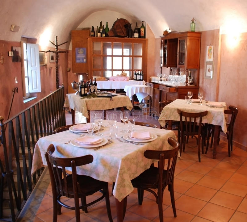 Typische italienische Gaststätte stockfotografie