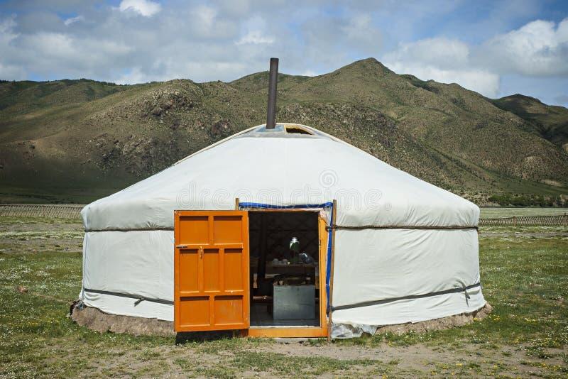 Typische Mongoolse Yurt stock fotografie