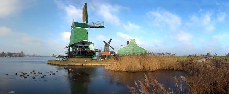 Typische Nederlandse Zaagmolen royalty-vrije stock afbeelding
