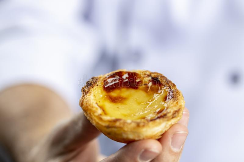 Typische portugiesische Vanillepuddingtorten, ` Pastel de Nata ` oder ` Pastelldes Belem ` lizenzfreie stockfotografie