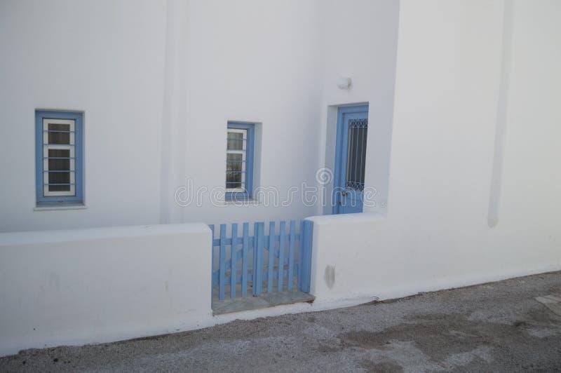 Typische rehabilitierte Häuser in Adamantas, Milos, Griechenland stockbilder