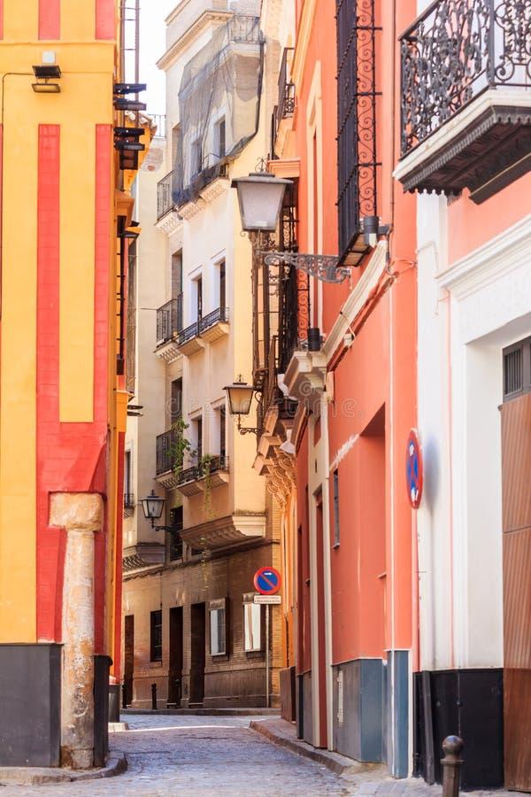Typische smalle straat stock foto