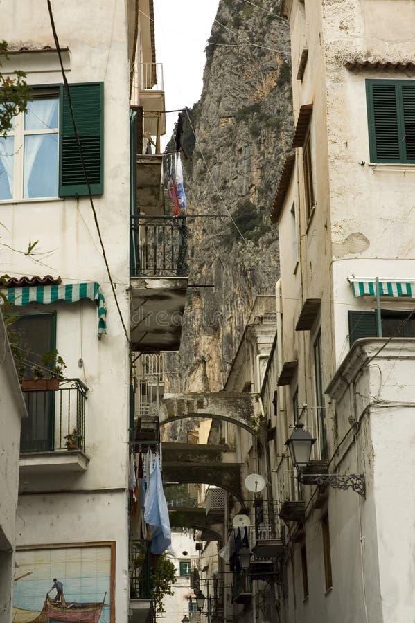 Typische smalle straat van Italië stock foto