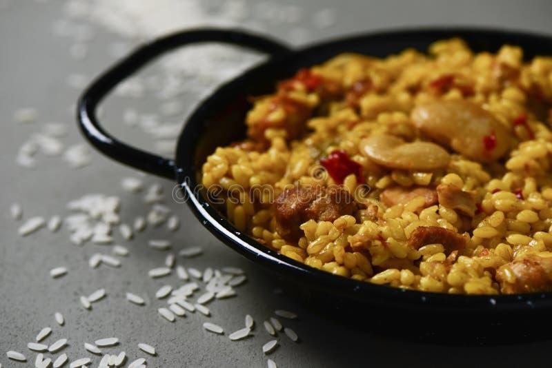 Typische Spaanse paellavalenciana stock afbeelding