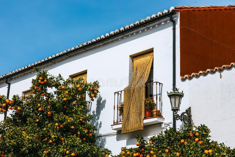 typische straat in historisch district van Ronda, Spanje stock foto