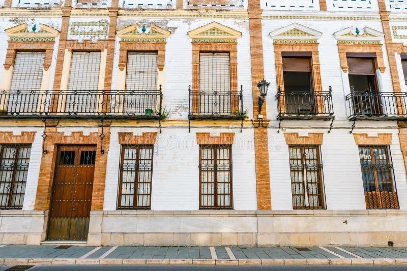 typische straat in historisch district van Ronda, Spanje stock fotografie