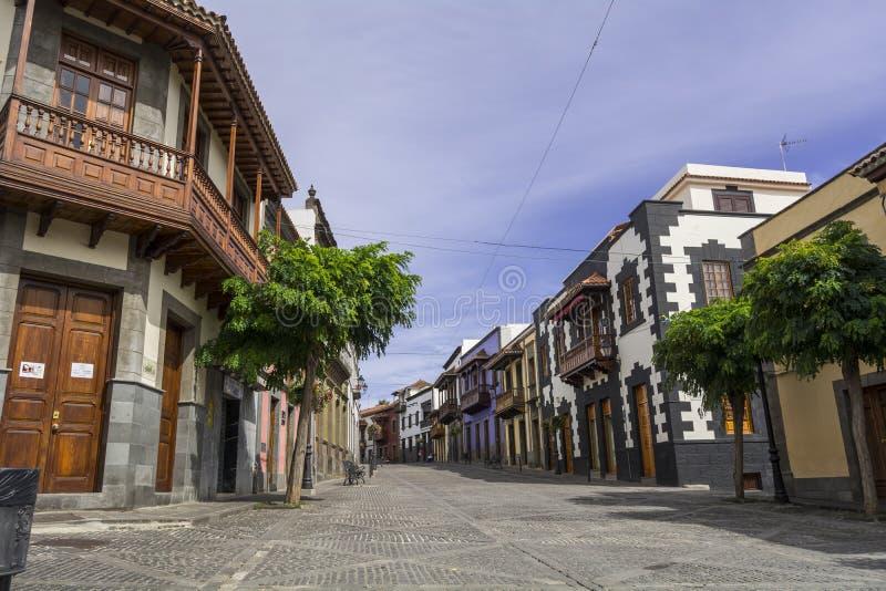 Typische straat van Teror in Gran Canaria stock foto's