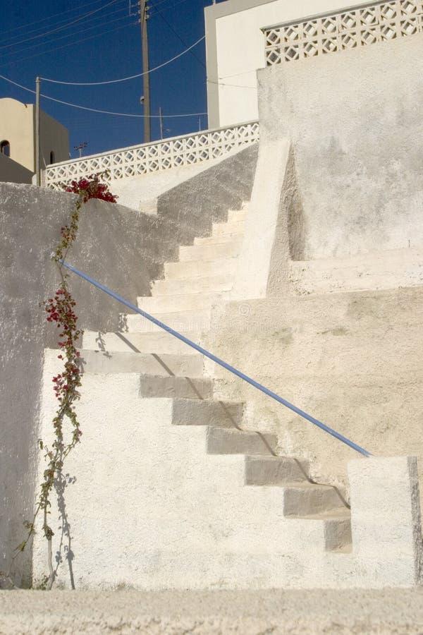 Typische Szene von der griechischen Insel von Santorini lizenzfreie stockbilder