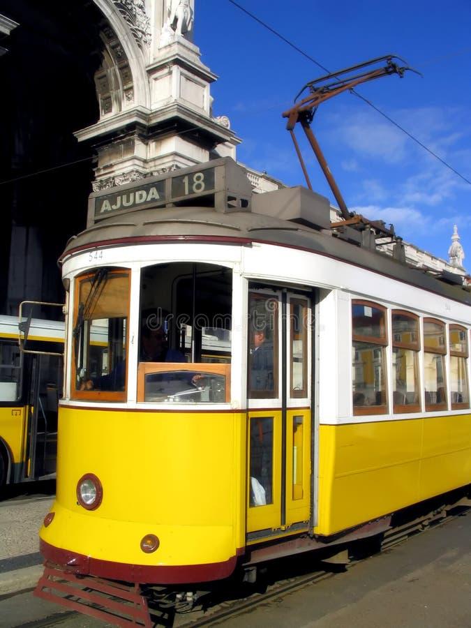 Typische Tram in Lissabon royalty-vrije stock fotografie