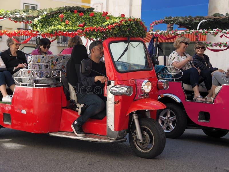 Typische Tuktuk in Lissabon in Portugal royalty-vrije stock foto's