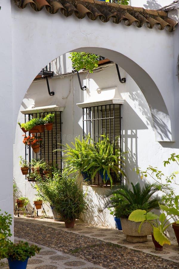 Typischer andalusischer Patio in Granada, Spanien stockfoto