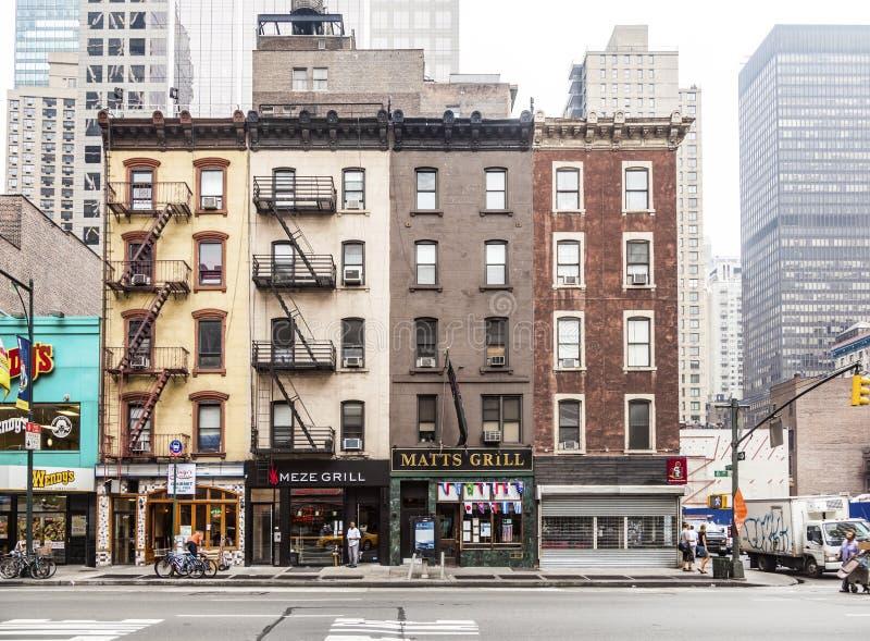 Typischer Backsteinbau mit 5 Geschichtenhäusern stockfoto
