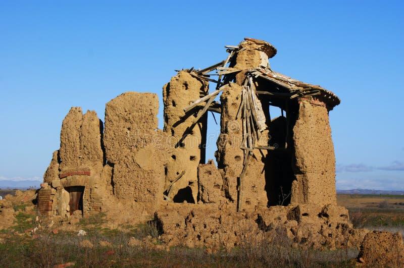 Typischer Castilian Dachboden in den Ruinen lizenzfreie stockfotos
