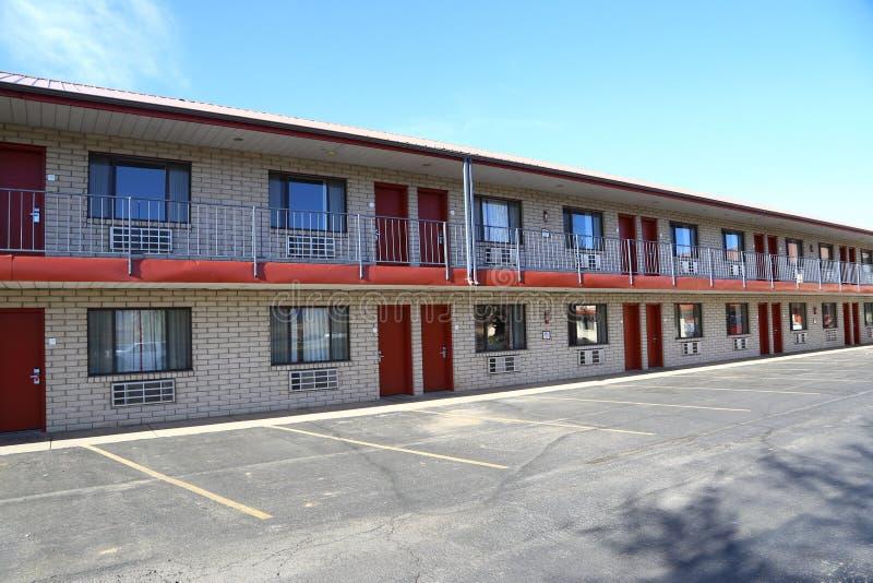 Typisches amerikanisches Motel lizenzfreies stockfoto