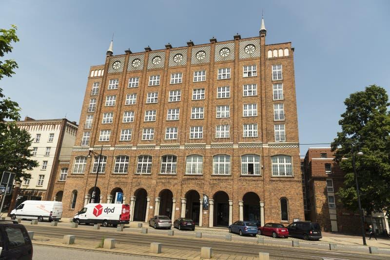Typisches Gebäude in Rostock Deutschland lizenzfreie stockbilder