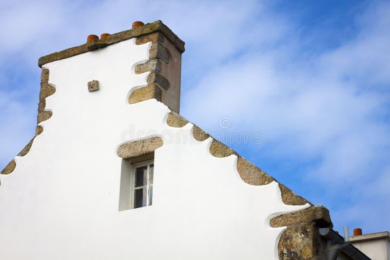 Typisches Haus in Bretagne, Frankreich stockbild