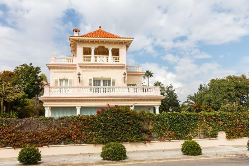 Typisches spanisches Landhaus lizenzfreie stockfotos