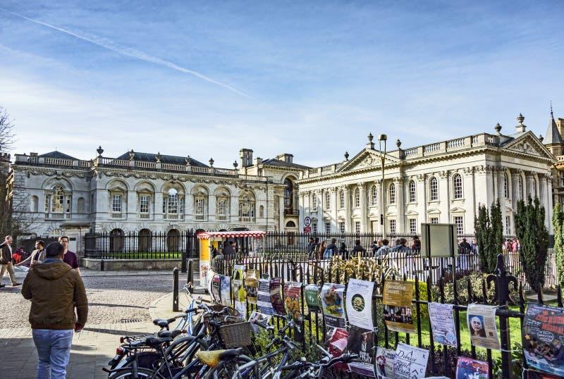 Typisches Straßenbild im alten Teil von Cambridge an den univers stockbild