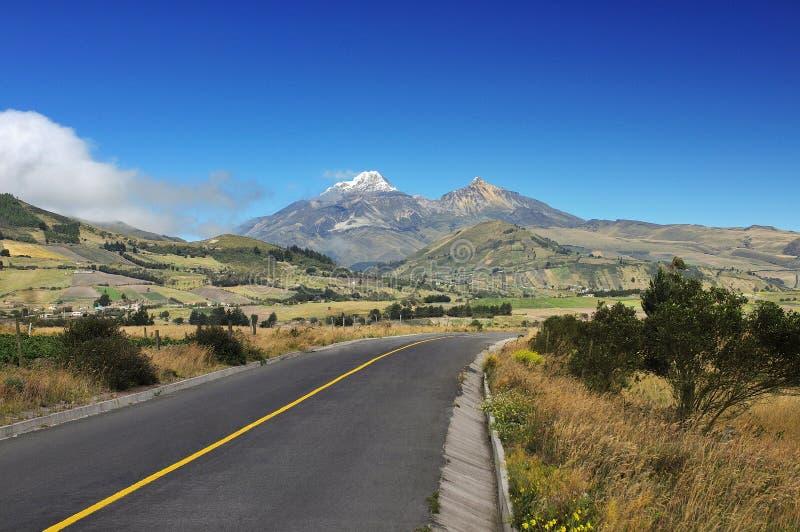 Typisk ecuadorian andean landskap arkivfoton