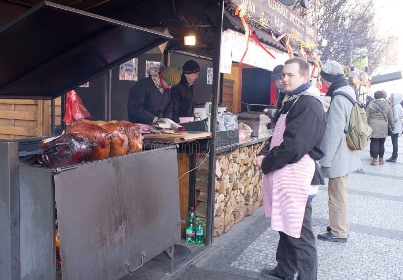 Gastronomiskt stativ i Prague royaltyfri foto