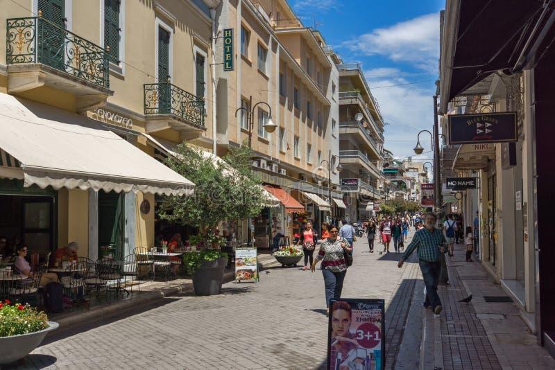 Typisk gata i Patras, Peloponnese, västra Grekland royaltyfri foto