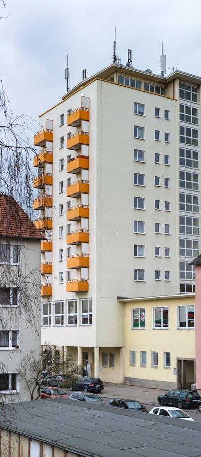 Typisk höghus från öst av Tyskland arkivbild