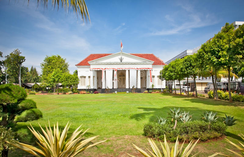 Typisk holländsk kolonial byggnadsstil, Jakarta,   Indonesien. royaltyfri fotografi