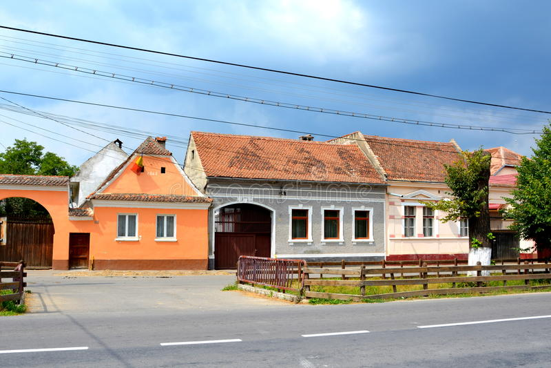 Typisk hus i Vulcan, Transylvania royaltyfri bild