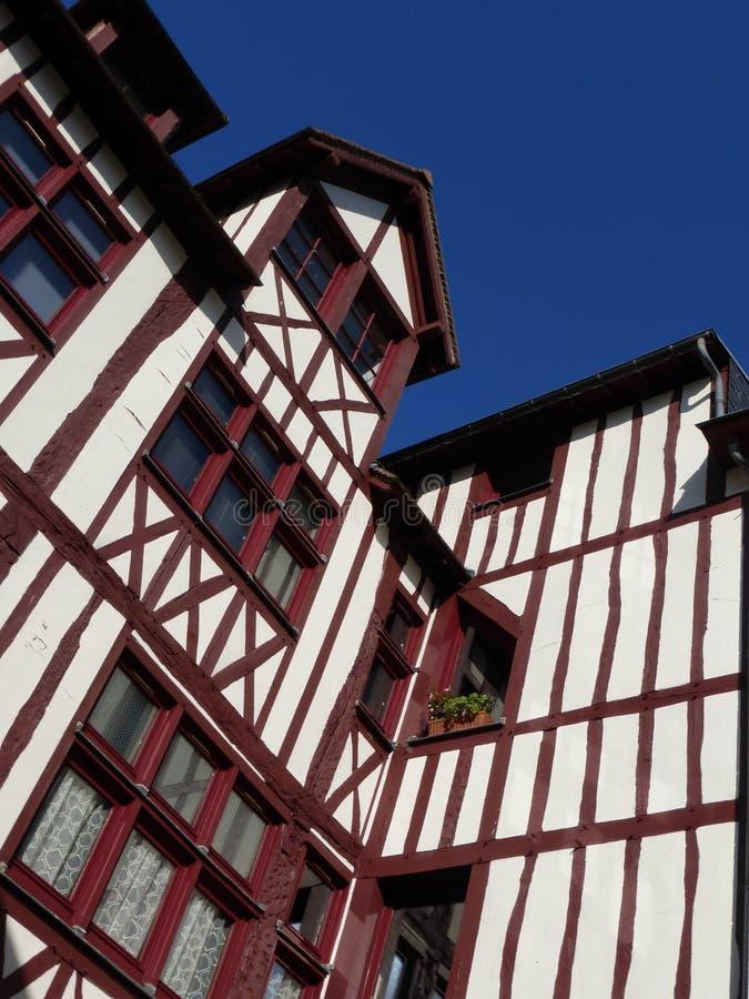 Typisk hus på Rouen i Frankrike arkivfoton