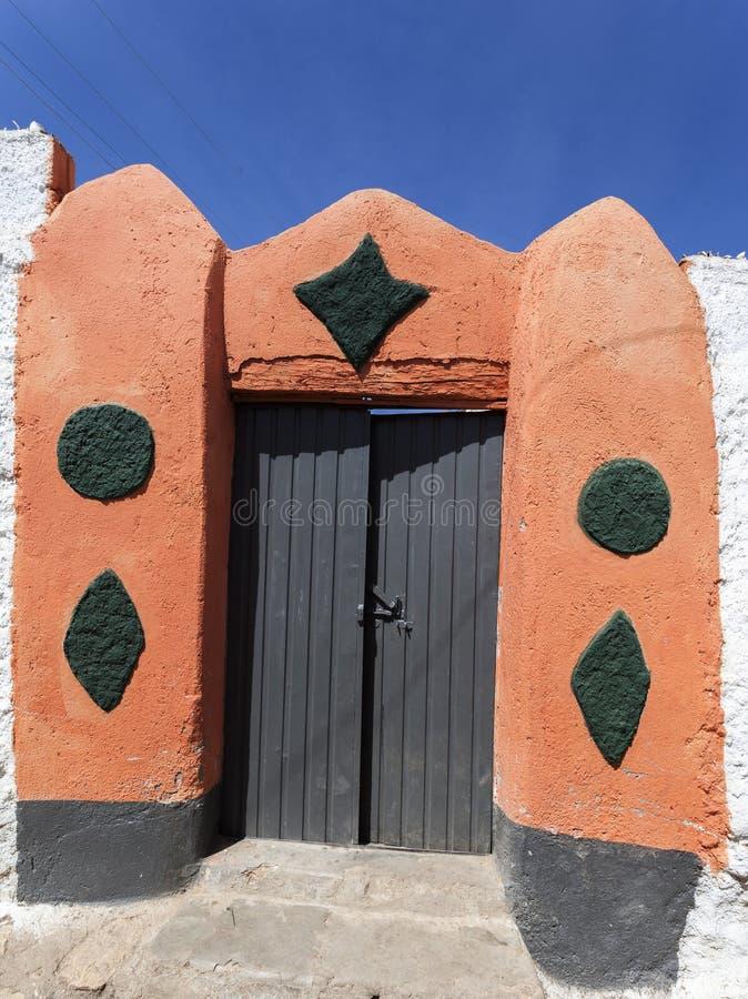 Typisk husingång i forntida stad av Jugol Harar ethiopia royaltyfri fotografi