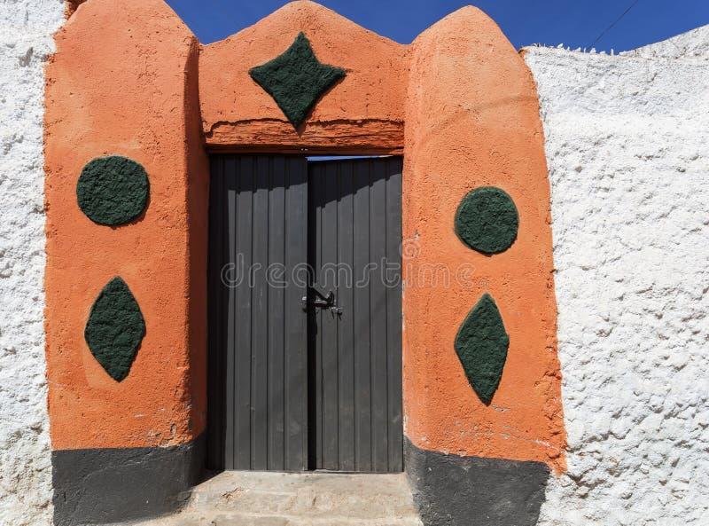 Typisk husingång i stad av Jugol Harar ethiopia royaltyfria bilder