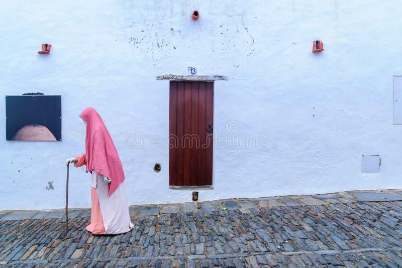 Typisk husvägg i Monsaraz arkivfoton