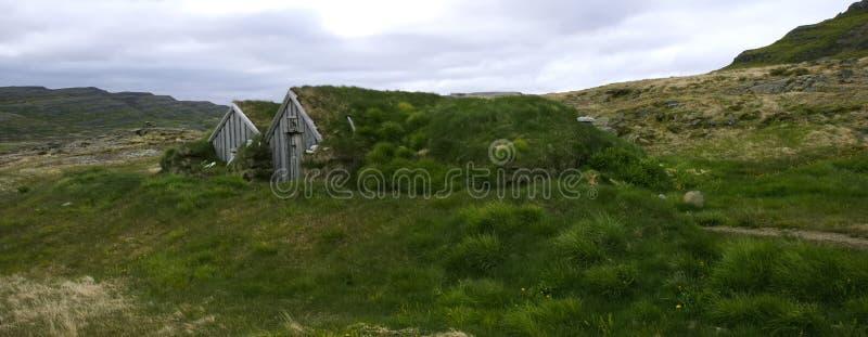 typisk icelandic sod för stugahus royaltyfri fotografi