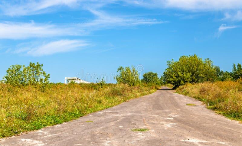 Typisk lantligt landskap av den Kursk regionen, Ryssland royaltyfria foton