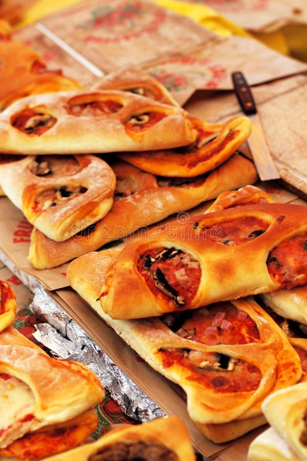 Typisk medelhavs- kokkonst för Provencal brödfougasse arkivfoto