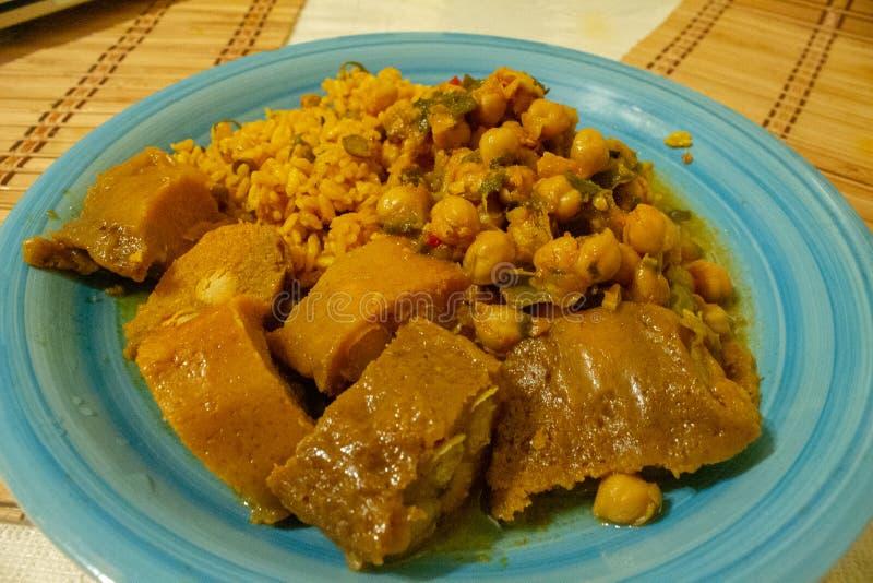 Typisk puertoricansk maträtt royaltyfri fotografi