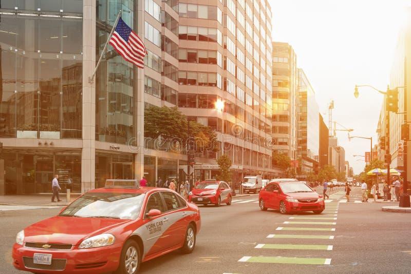 Typisk röd taxi i det Columbia området, Washington DC arkivfoton