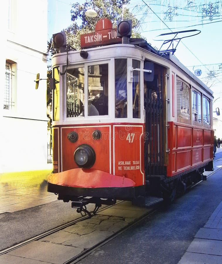 Typisk spårvagn från Istanbul, Turkiet arkivfoto