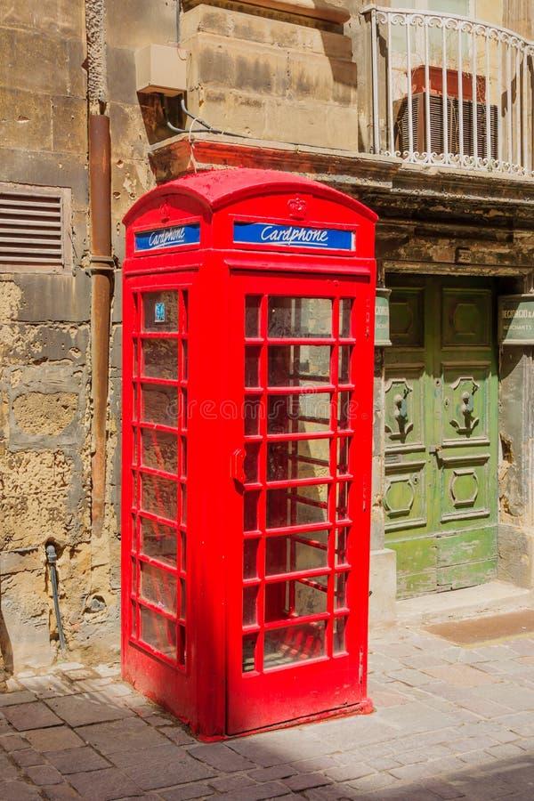Typisk telefonbås, i Valletta arkivfoton