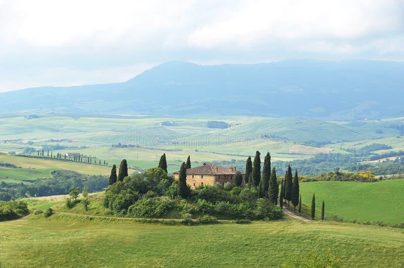 Typisk tuscan liggande italy royaltyfri bild