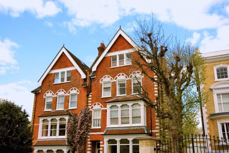 typiska brittiska hus royaltyfri fotografi