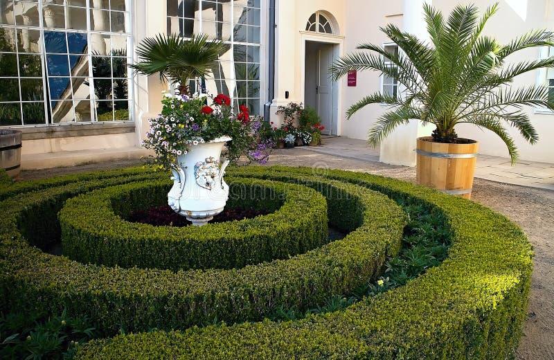 Typowa rośliny architektura w kwiatu ogródzie w czechu Kromeriz obrazy royalty free